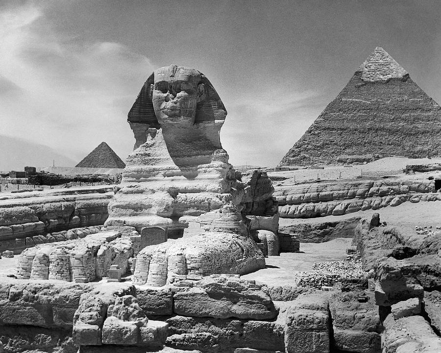 pyramids of giza construction feat