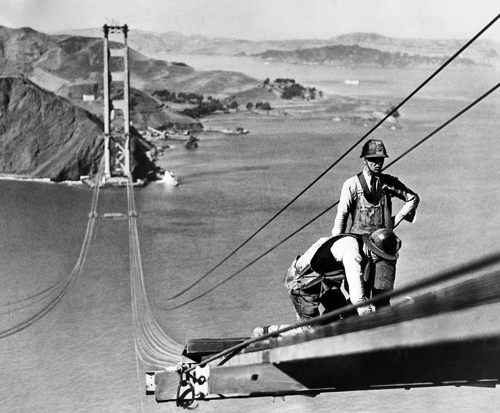 golden gate bridge construction workers