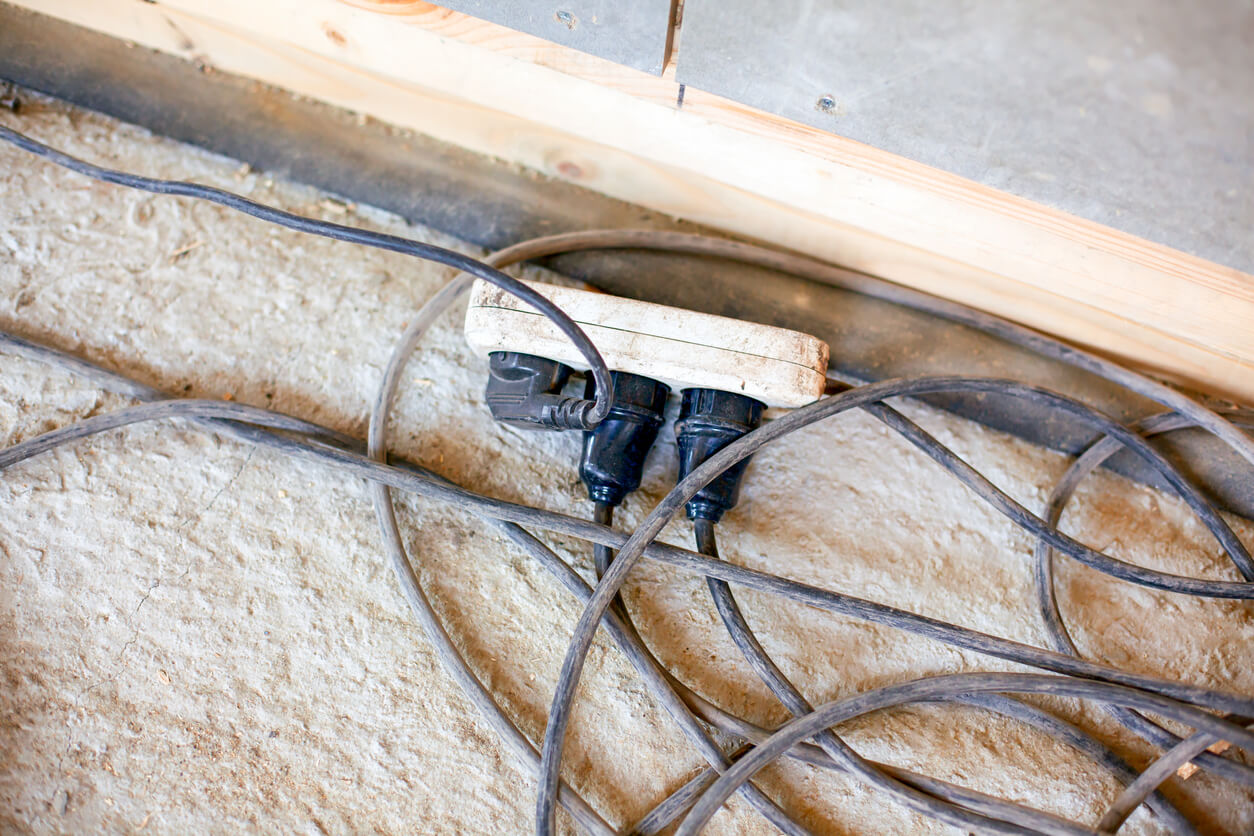 extension cords in construction